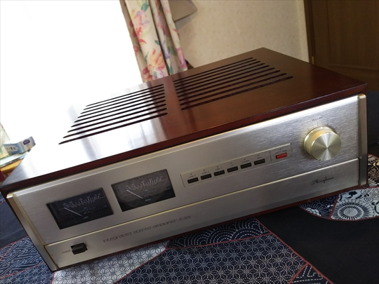 Accuphase E-302  (1).JPG