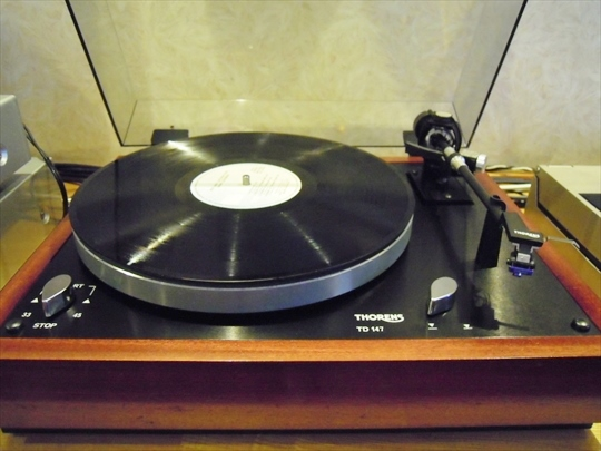 Thorens TD147 with Arm TP16.JPG